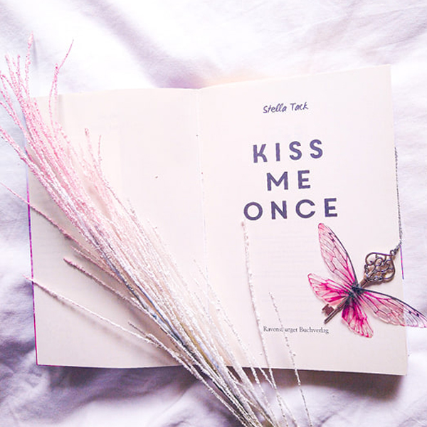 Rezension: Kiss me Once von Stella Tack
